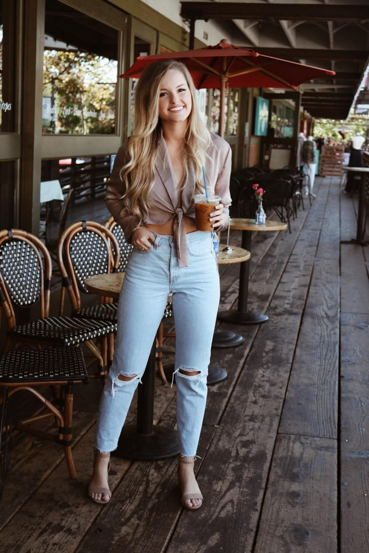 mom jeans for the win – blonde to bronze